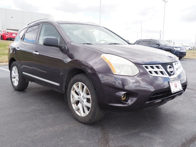 Pre-Owned 2011 Nissan Rogue SV